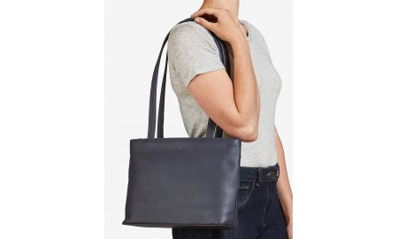Yoshi Madison Leather Shoulder Bag - Navy