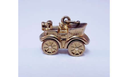 Pre-owned 9ct Gold Vintage Car Charm