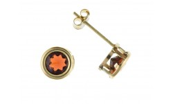 9ct Gold Garnet Stud Earrings