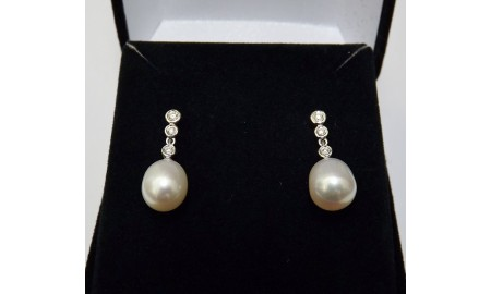 18ct White Gold Pearl & Diamond Drop Earrings