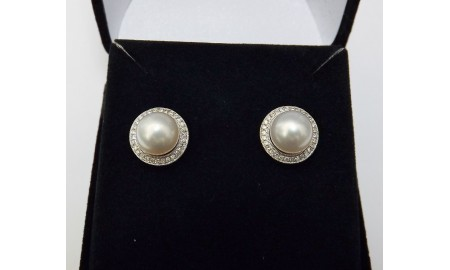 18ct White Gold Pearl & Diamond Earrings