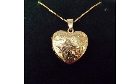 9ct Gold Heart Shaped Locket