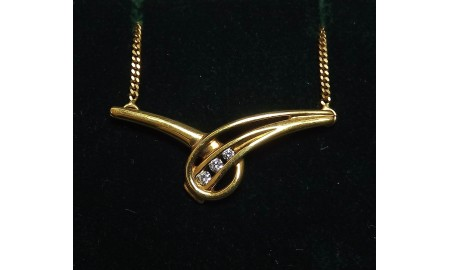 Pre-owned 9ct Gold CZ Necklace