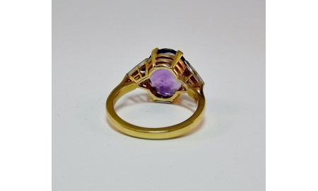 Vintage 18ct Amethyst & Diamond Dress Ring