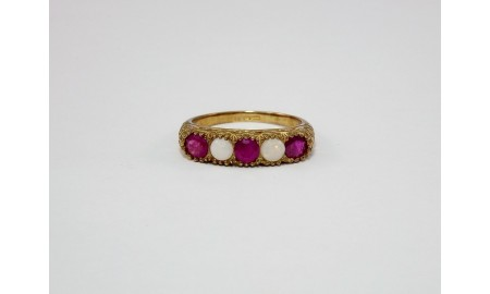 9ct Gold Ruby & Opal Ring