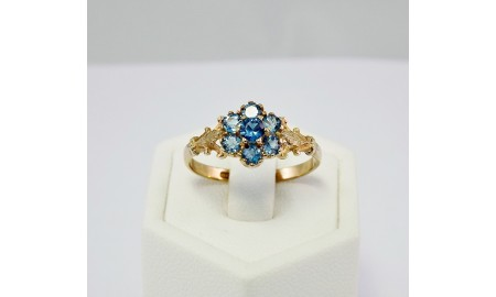 9ct Gold Blue Topaz Ring
