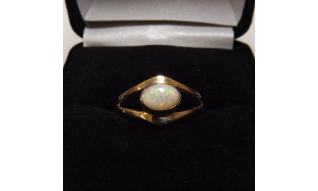 Pre-owned 9ct Gold Opal Dress Ring