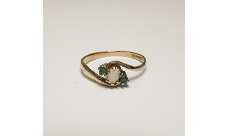 Pre-owned 9ct Gold Opal & Emerald Ring