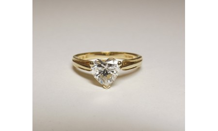 Pre-owned 9ct Gold Heart CZ Ring