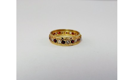 Pre-owned 9ct Gold Garnet Full Hoop Ring