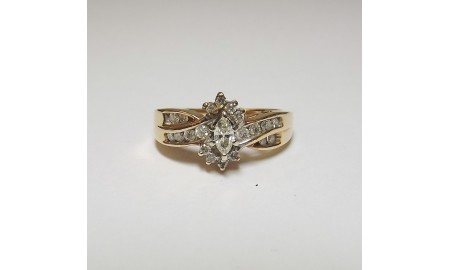 Pre-owned 14ct Gold Diamond Cluster Ring