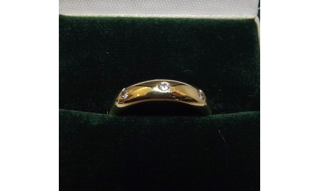 Pre-owned 9ct Gold Diamond Wedding Ring