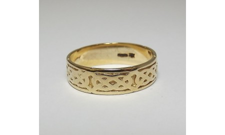Pre-owned 9ct Celtic Ring