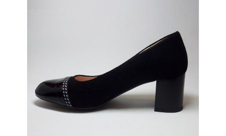 Gamis Black Suede Court Shoe